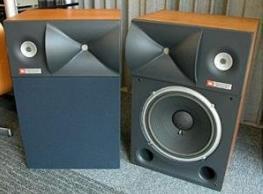 武汉KTV设备回收,酒吧音响设备回收,舞台音响回收,功放回收,国产进口音响回收